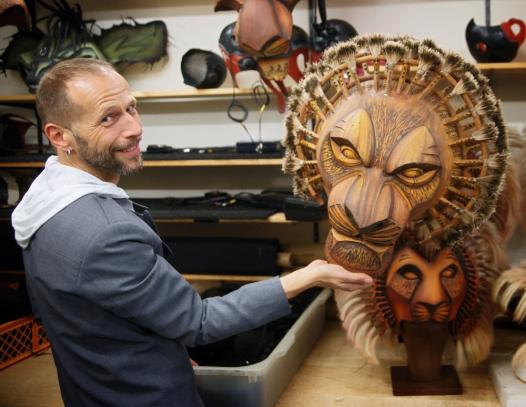 Mike Grimm ist Chef der Puppen-Werkstatt